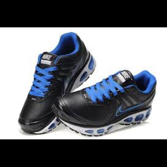 buy popular a9c8f 84462 Nike TailWind 2010 in blue and black.